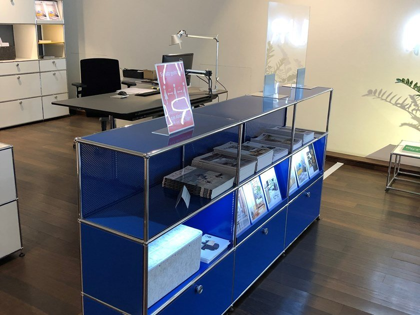 Modular reception station with a protection screen USM HALLER STEEL BLUE by USM