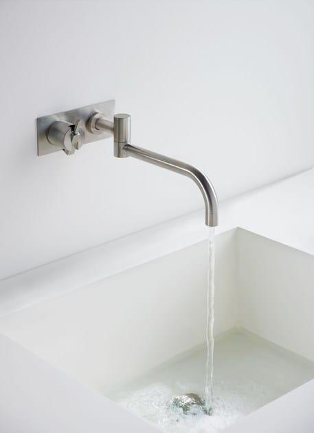 132   Miscelatore per lavabo