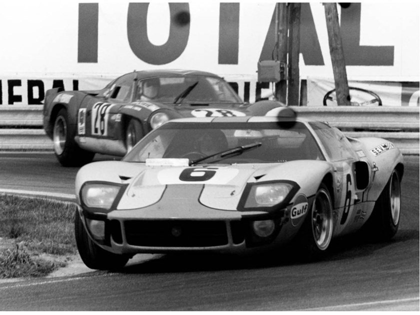 Stampa fotografica JACKY ICKX LEADS ANDRE DE CORTANZE by Artphotolimited