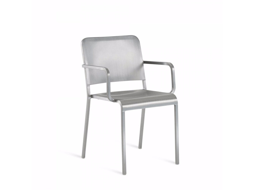 Aluminium chair with armrests 20-06™ | Chair with armrests by Emeco