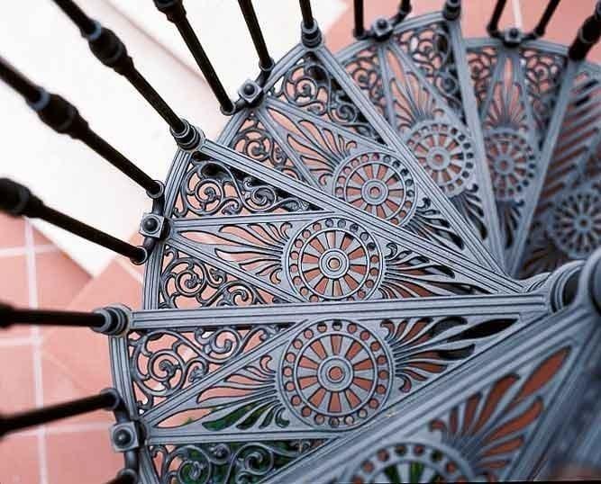 2050 Escalera De Caracol De Hierro Fundido By Modus