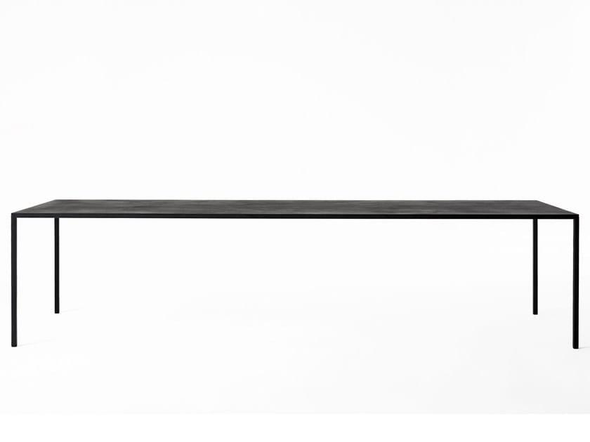 Rectangular acrylic dining table 25 | Acrylic table by Desalto