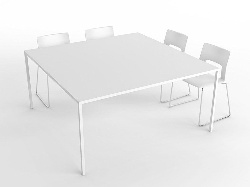 Square table 25 | Square table by Desalto