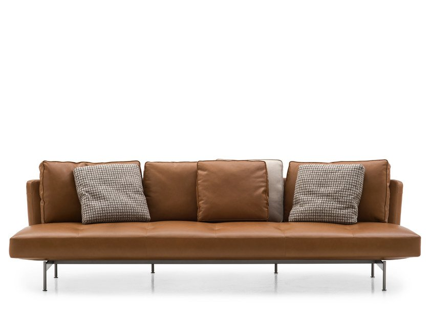 SAKÉ | 4 seater sofa