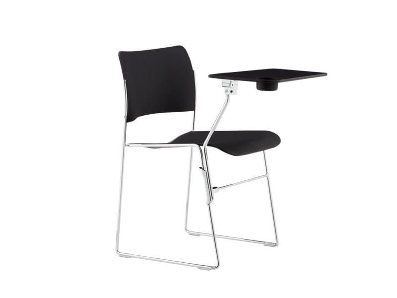 Cadeira de conferência trenó com prancheta 40/4   Cadeira de conferência com prancheta by Howe