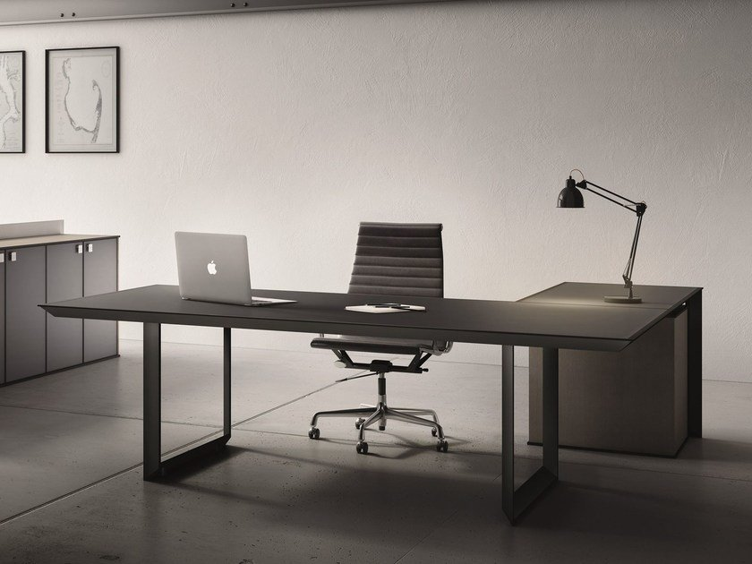 L-shaped glass and steel executive desk 45/90 | Executive desk by IFT