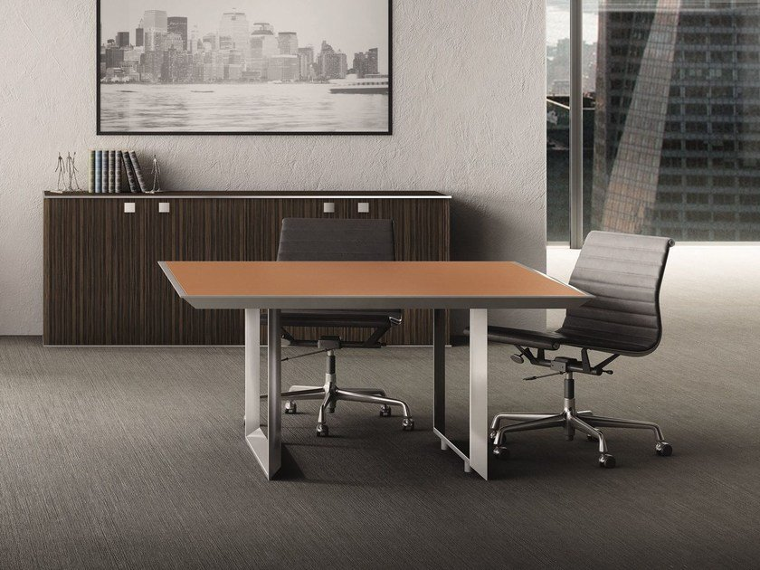 Square tanned leather meeting table 45/90 | Square meeting table by IFT