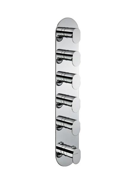 TERMOSTATICI MULTIUTENZA 5 USCITE   Rubinetto per doccia con piastra Art. 67635E