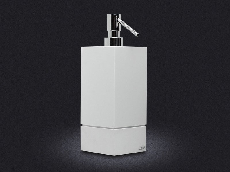 Resin liquid soap dispenser 500 SQUARE by Vallvé