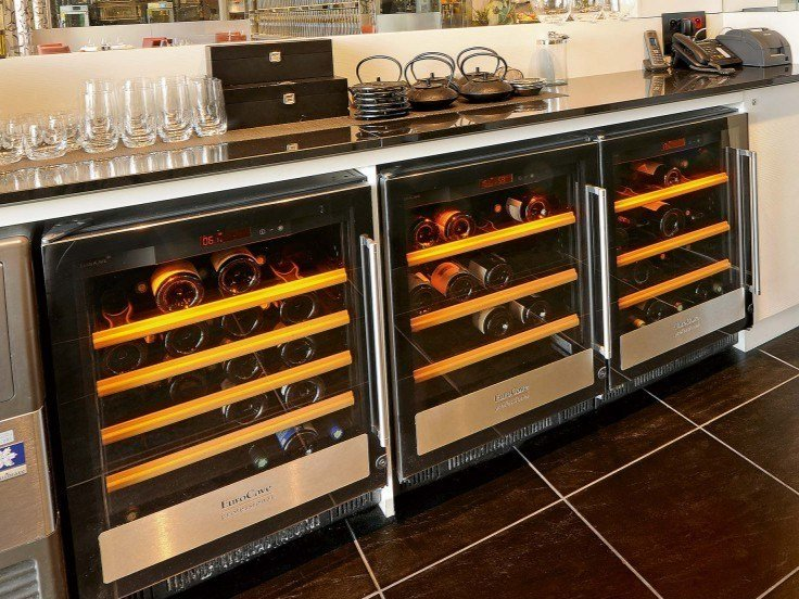 Undercounter wine cooler with built-in lights 5000: SMALL   Serving wine cooler by EuroCave
