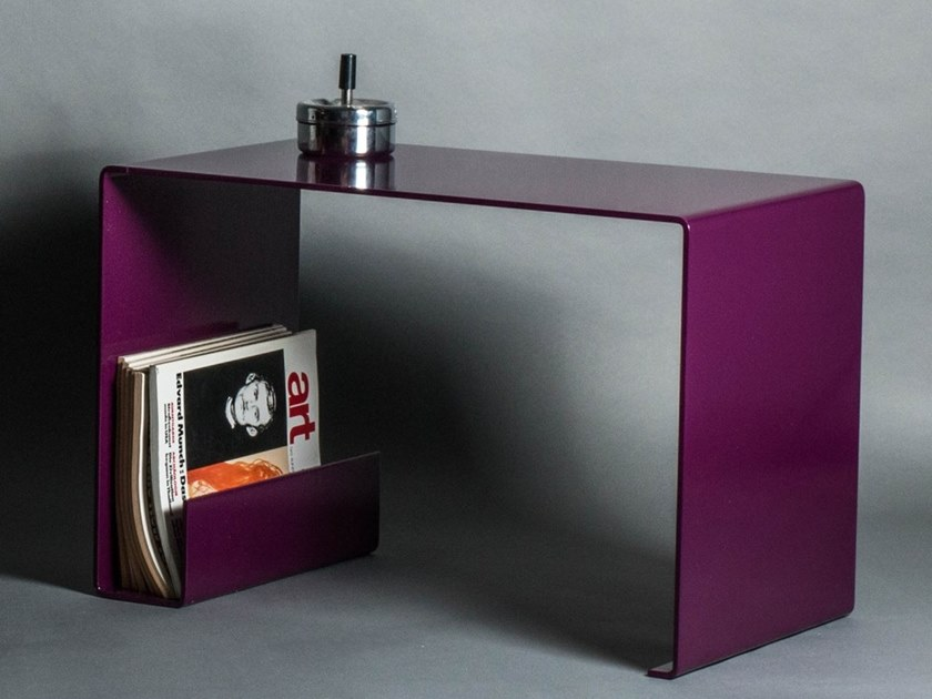 Rectangular steel coffee table with integrated magazine rack Steel coffee table by DiaDorn