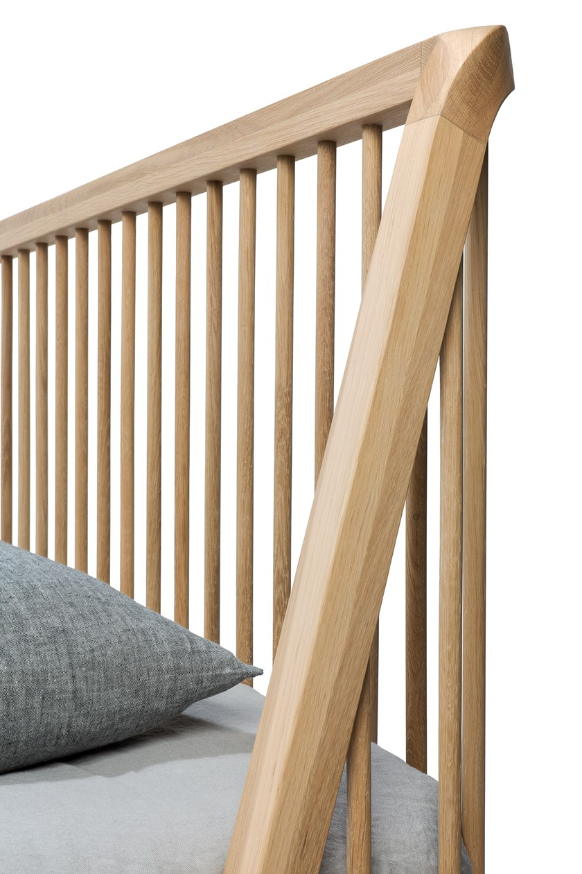 OAK SPINDLE | Letto