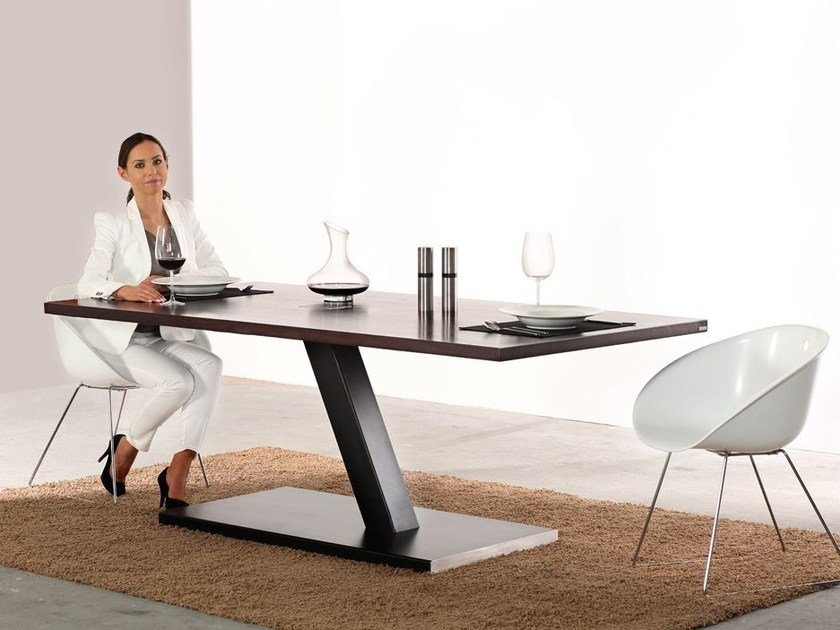 Rectangular wooden dining table 609 | Dining table by Wissmann raumobjekte