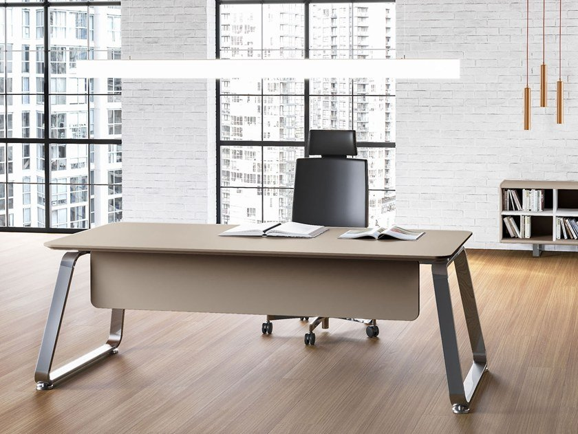 Rectangular wood-product executive desk 70'S SEVENTIES | MDF office desk by Las Mobili