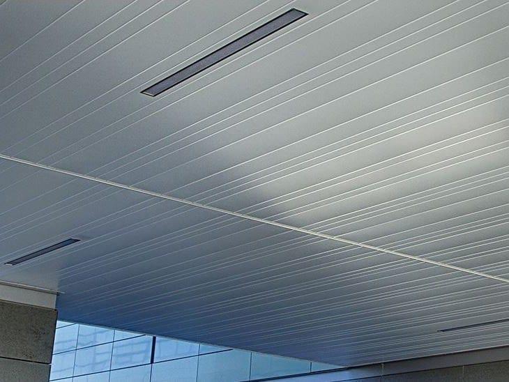 Metal ceiling tiles EXTERIOR LINEAR CLOSED 75C / 150C / 225C by HunterDouglas Architectural