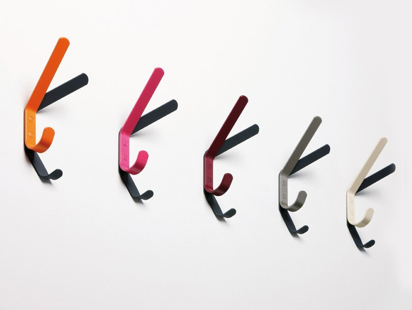 Wall-mounted coat rack SCHATTENWURF by rosconi