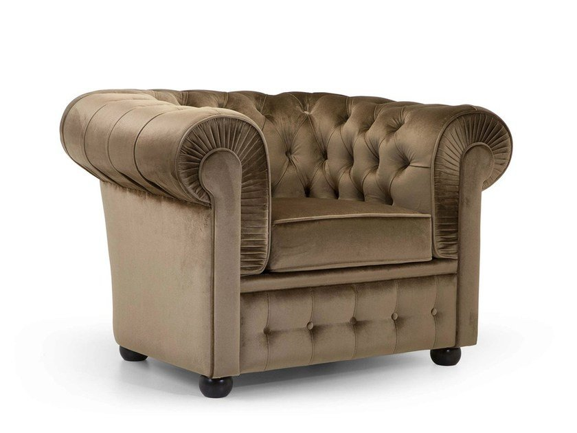 Chesterfield style upholstered fabric armchair 800 | Fabric armchair by Domingo Salotti