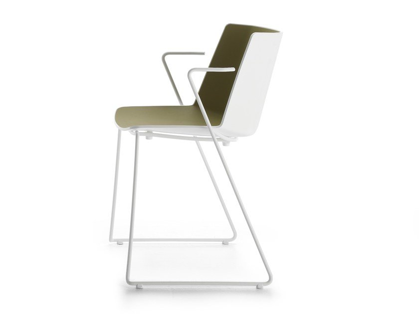 Sled base polypropylene chair with armrests AÏKU | Chair with armrests by MDF Italia