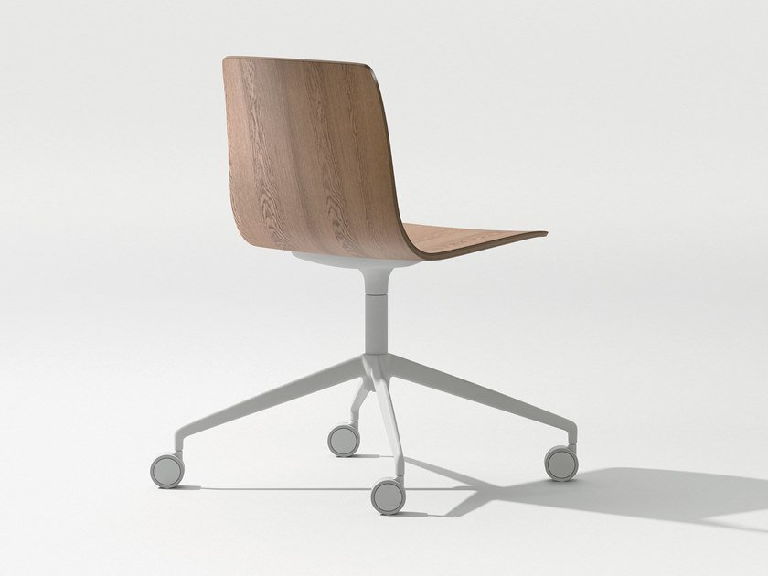 Swivel trestle-based wooden chair with castors AAVA | Trestle-based chair by arper