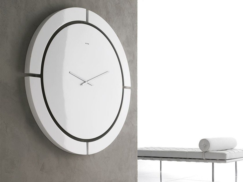 Wall-mounted clock AB NORMAL by ALIVAR