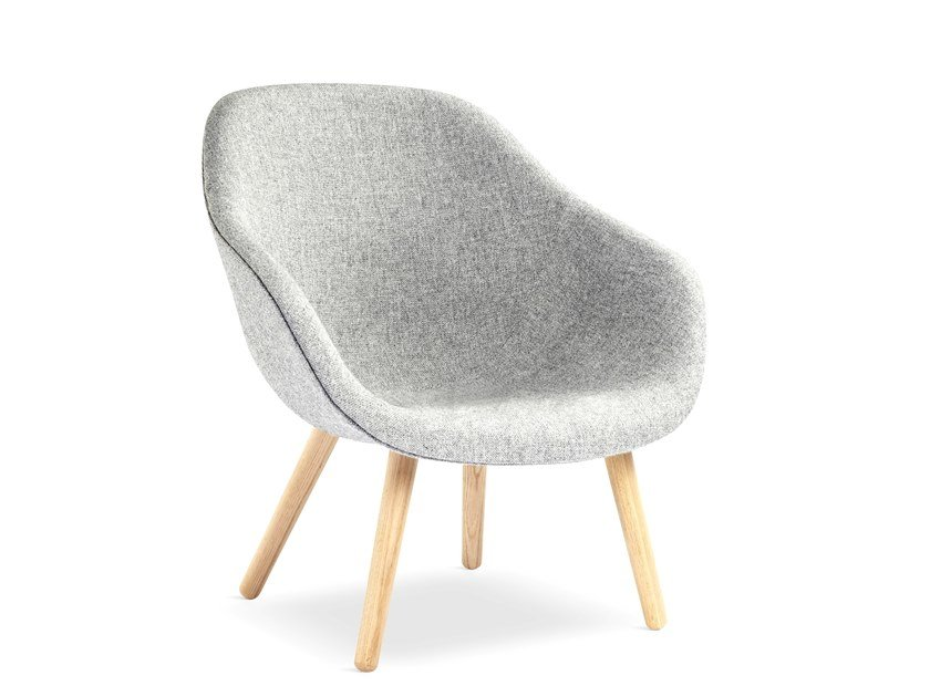 Poltroncina imbottita con braccioli ABOUT A LOUNGE CHAIR AAL82 by Hay
