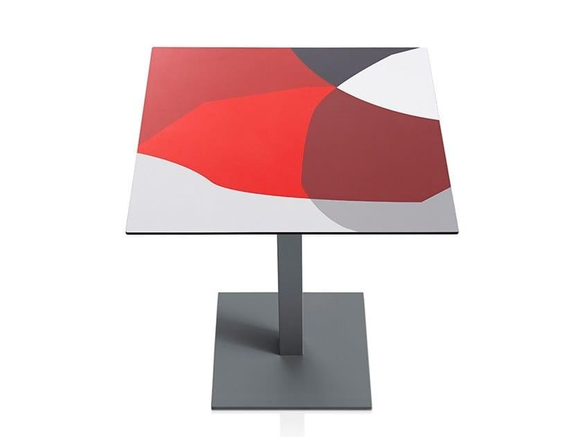 Tavolo quadrato in laminato ABSTRAKT MONA | Tavolo quadrato by Diabla
