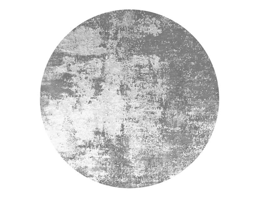 Handmade round rug ABY by HENZEL STUDIO