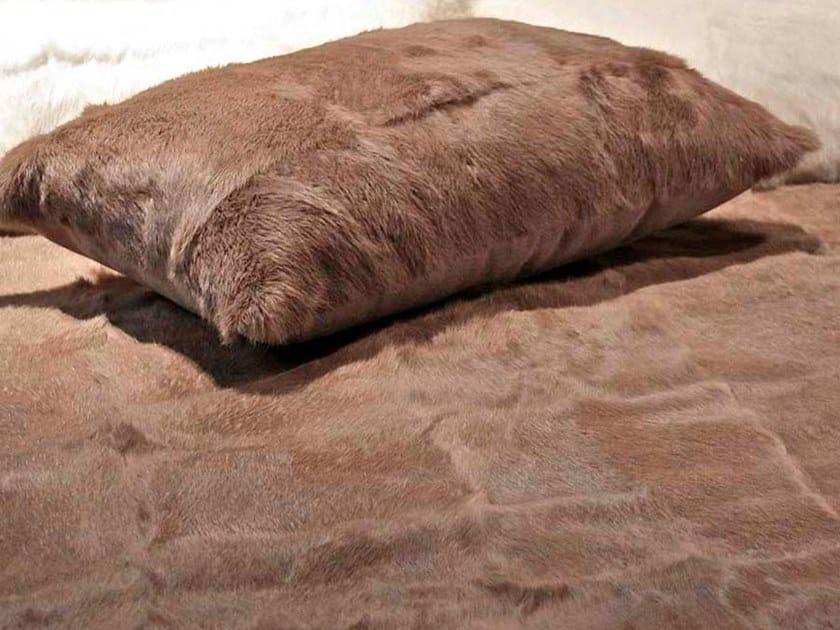 Natural fur throw and cushions AC COLOR by Miyabi casa