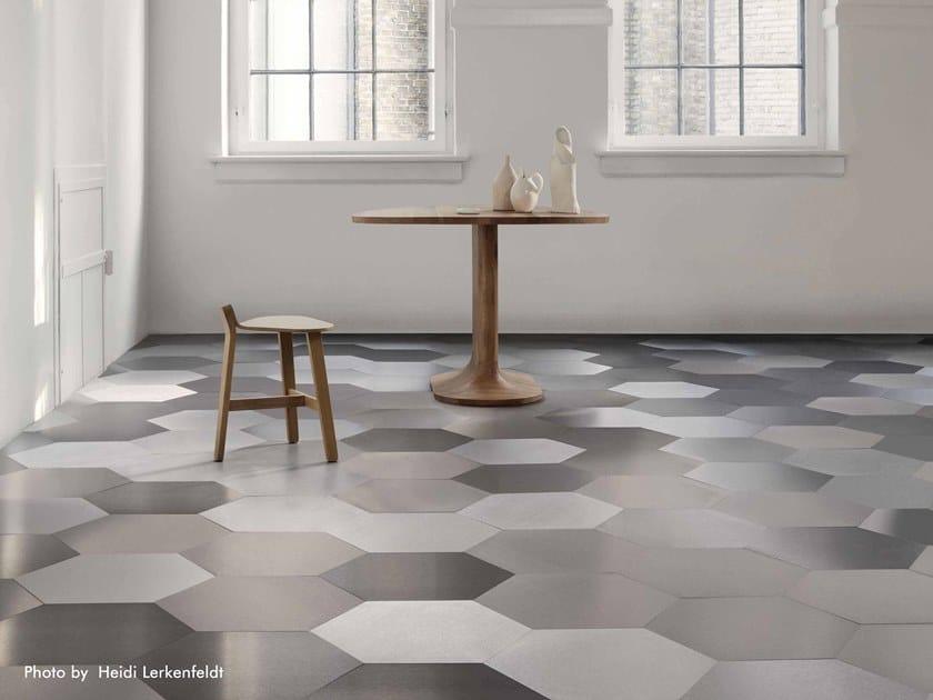 Flooring AC01 STICK-ON by Planium
