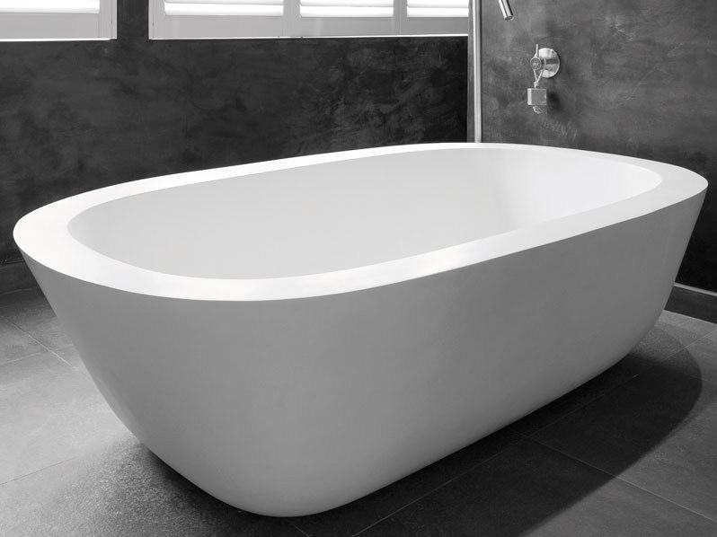 Freestanding oval bathtub ACANTHUS by JEE-O