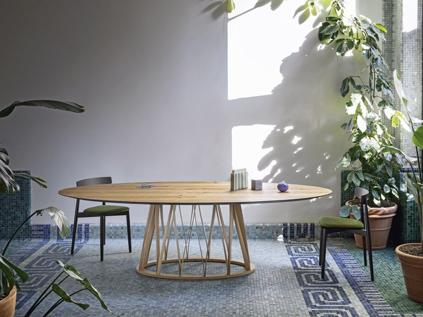 Oval wooden table ACCO | Wooden table by Miniforms