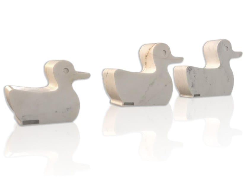 Seduta da esterni in marmo ADELINA & GUENDALINA BLA BLA E LO ZIO REGINALDO | Seduta da esterni by FranchiUmbertoMarmi