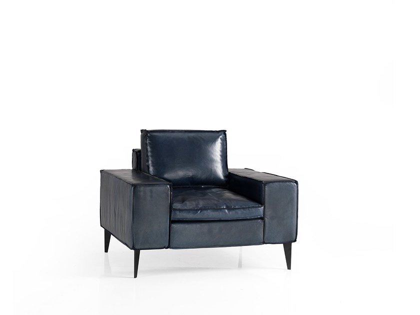 Leather armchair with armrests AGIO | Armchair by Oliver B.