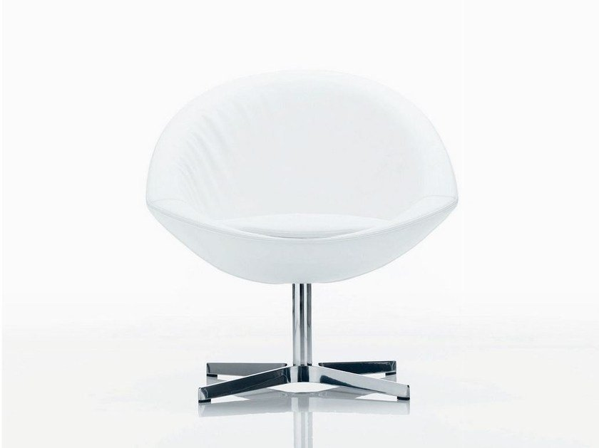 Upholstered easy chair with 4-spoke base AGIO | Easy chair with 4-spoke base by Quadrifoglio