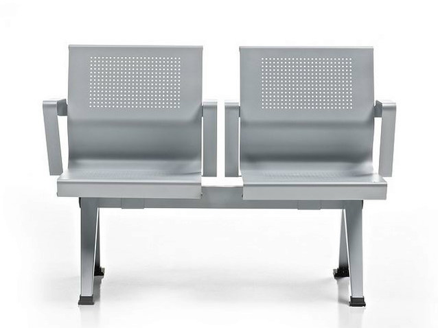 Freestanding beam seating with armrests AIRA | Beam seating by Diemme