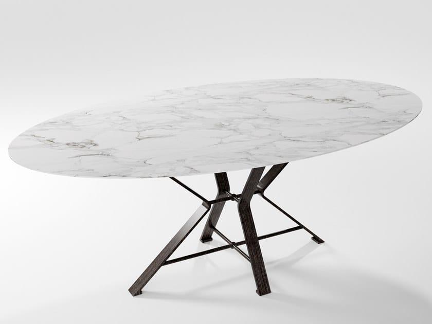 Tavolo in lama di ferro pieno e piano in HPL AIX | Tavolo in laminato by Barel