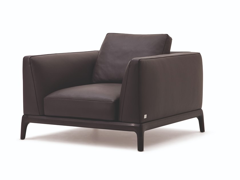 Leather armchair with armrests AKITA | Armchair by Busnelli