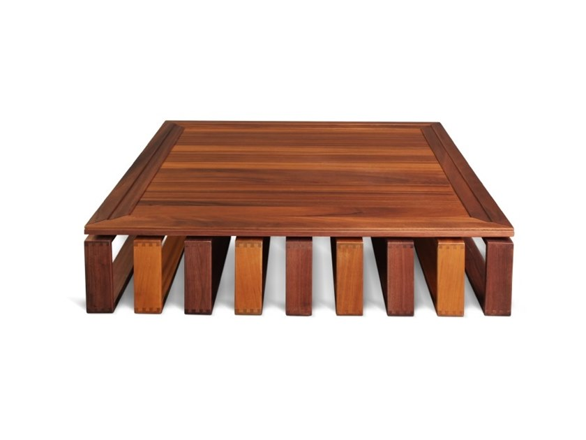 Square wooden coffee table ALFRED by Wood Tailors Club