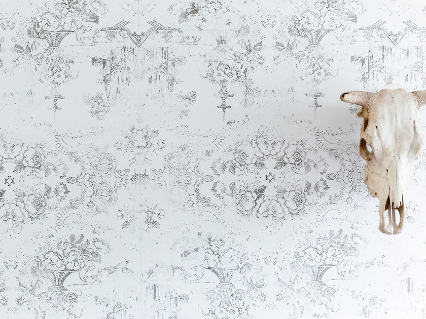 Motif wallpaper ALMOST WHITE DELFT BAROQUE by Mineheart