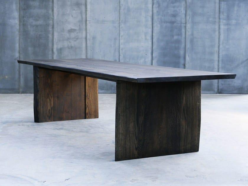 Custom oak table ALTAR MTM by Heerenhuis