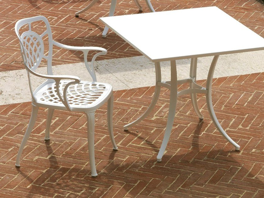 Aluminium garden chair with armrests ALTHEA | Chair with armrests by FAST