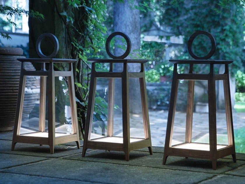 Lampada da terra per esterno in noce AMARCORD | Lampada da terra per esterno by Porada