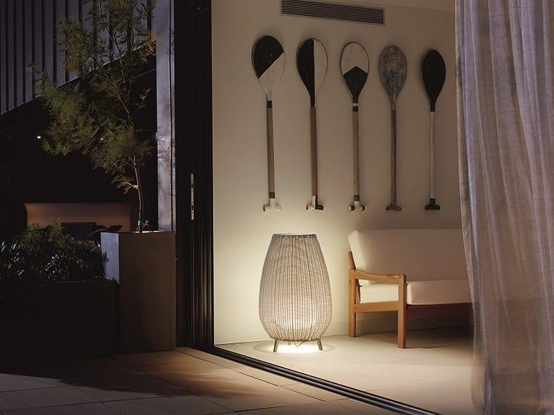 Lampada da terra per esterno in fibra sintetica AMPHORA 01 by BOVER