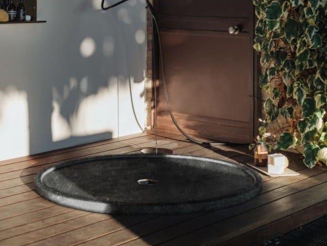 Piatto doccia circolare in marmo AMULETO by Agape