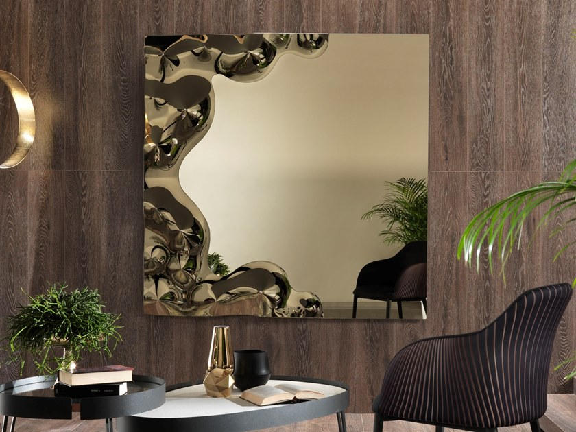 Square wall-mounted mirror ANDROMEDA by RIFLESSI