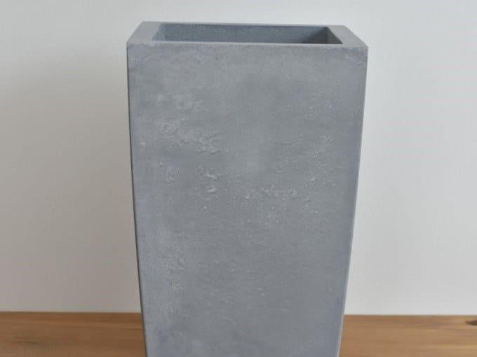Concrete garden vase ANGULAR by betton
