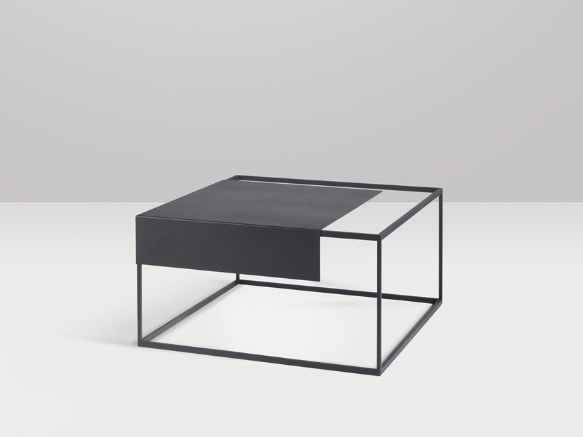 Low square metal coffee table APERO | Square coffee table by Recor Home
