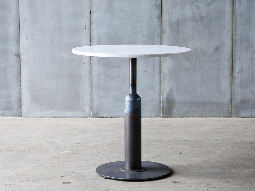 Round marble table APOLLO MTM | Marble table by Heerenhuis