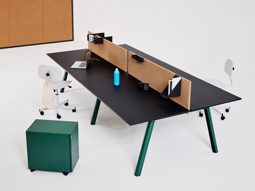 Operative desk with cork screen APOLLO | Office desk with overbridge by Manerba