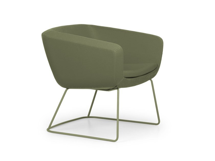 Sled base upholstered easy chair with armrests ARCA LOUNGE | Easy chair by True Design